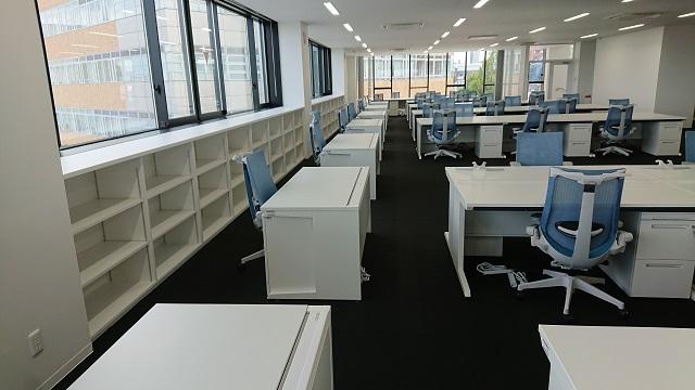 19-09-29新事務所オフィス家具  (1).JPG